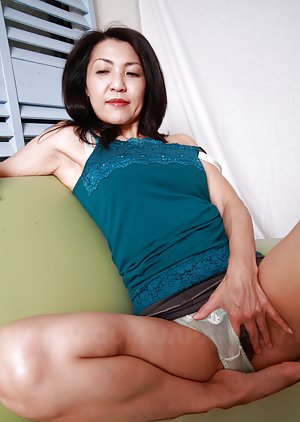 Chinese Milf Porn Pics