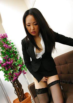 Chinese Masturbating Porn Pics