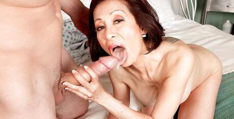 Chinese Tongue Porn Pics
