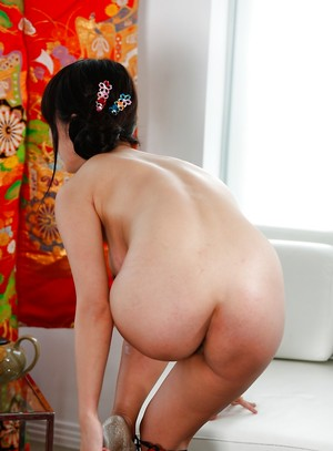 Undewssing Chinese Porn Pics