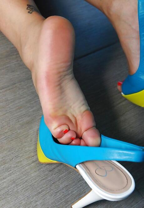 Chinese Feet Porn Pics