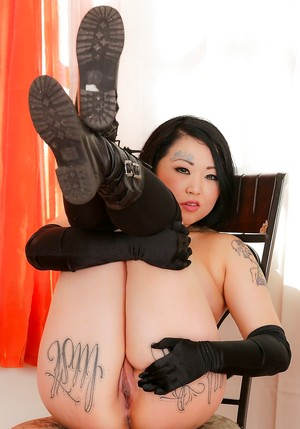 Inked Chinese Porn Pics